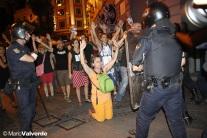 rodillas-policia